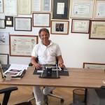 Dr. Leidolf in seiner Praxis für Unfallchirurgie Wien